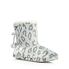 Lounge & Sleep - Grey leopard print slipper boots