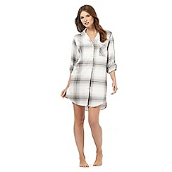 RJR.John Rocha - Grey checked print night shirt
