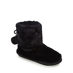 Lounge & Sleep - Black faux fur boots