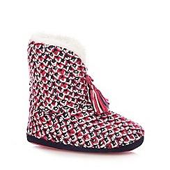 Iris & Edie - Pink chunky knit tasseled slipper boots