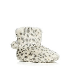 Lounge & Sleep - Grey leopard print faux fur slipper boots
