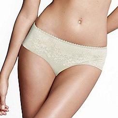 Wonderbra - Ivory 'Full Effects' lace shorts