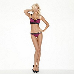 Wonderbra - Dark pink 'Glam Medallion' balconette bra