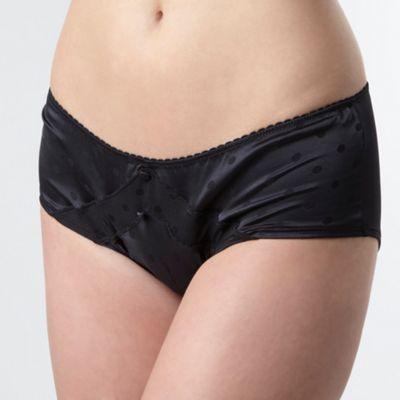 Black spot shorts