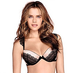 Wonderbra - Light pink 'Glamour Cleavage' bra