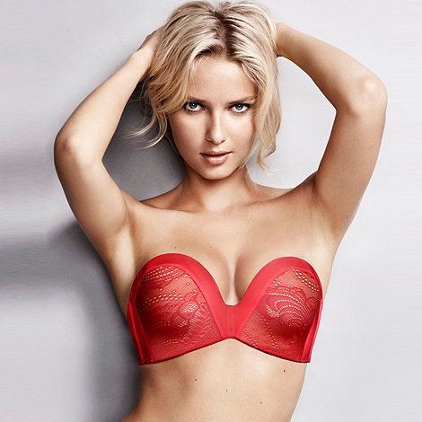 Wonderbra - Ultimate Strapless Lace Up to a G-Cup Bra