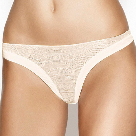 Wonderbra - Ivory lace +Ultimate+ thong