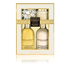 Baylis & Harding - Signature Collection - Sweet Mandarin & Grapefruit Pamper Set