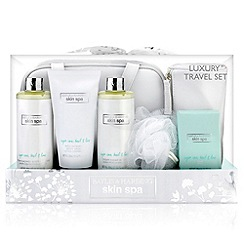 Baylis & Harding - Skin Spa - Sugar Cane, Basil & Lime Luxury Travel Set