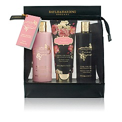 Baylis & Harding - Boudoire Collection - Pink Orchid with Cashmere & Vanilla Gift Set