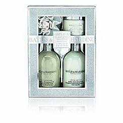 Baylis & Harding - Jojoba silk and almond oil benefit set