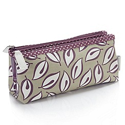 Victoria Green - Debenhams Exclusive: Derwent Print Fold Over Case
