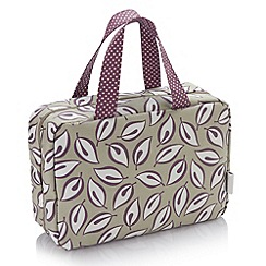 Victoria Green - Debenhams Exclusive: Derwent Print Traveller Bag
