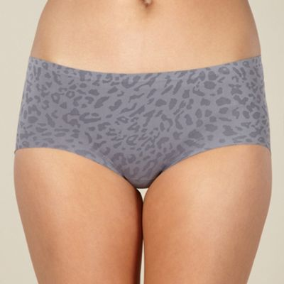 Grey animal print seamless shorts