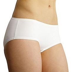 Debenhams - White supersoft invisible shorts