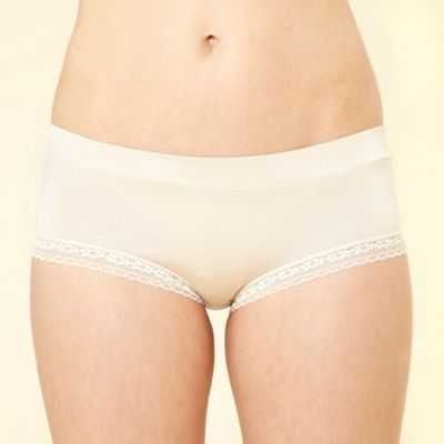 Natural lace trim shorts