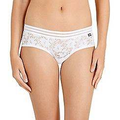 Bonds - White lace invisible shorts