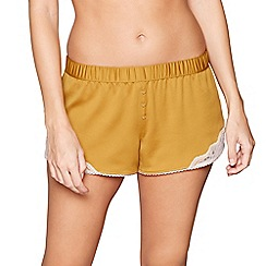 Nine by Savannah Miller - Yellow lace-trimmed satin pyjama shorts