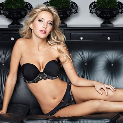 Black Widow strapless plunge bra