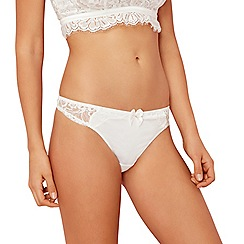 Reger by Janet Reger - Ivory lace thong