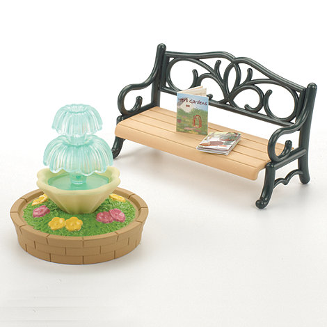 Sylvanian Families - Ornate Garden Bench and Fountain