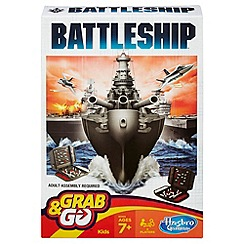 Hasbro Gaming - Battleship Grab & Go