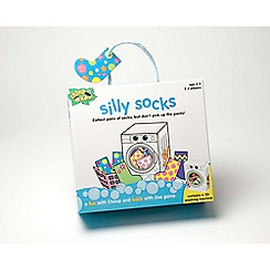 Chimp n Zee - Silly socks game