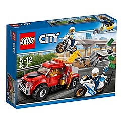 LEGO - Catch the crook before he tows the safe away 60137