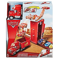 Disney Cars - Transforming Mack Playset