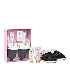 Luxe Edit - Slippers with pampering foot scrub and lotion set