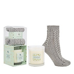 Luxe Edit - Pale green citrus and lavender scented candle and socks set