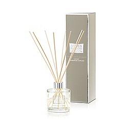Baylis & Harding - La Maison White Linen & Cassis Diffuser Candle