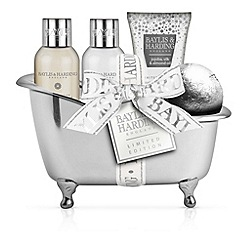 Baylis & Harding - Jojoba, Silk and Almond Oil Bath Time Treats Gift Set