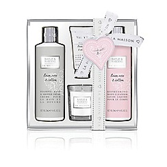 Baylis & Harding - La Maison Linen Rose & Cotton Indulgent Bathing Set