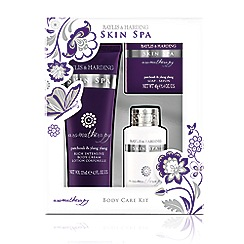 Baylis & Harding - Patchouli and Ylang Ylang Trio of Treats Gift Set