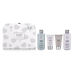 Baylis & Harding - La Maison Sea Salt and Wild Mint Carry Case Gift Set