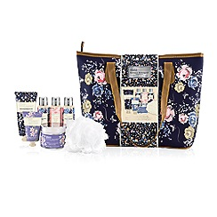Baylis & Harding - Royale Bouquet Relax and Retreat Weekend Bag