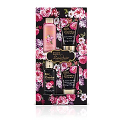 Baylis & Harding - Boudoire Velvet Rose Bathing Essentials Collection