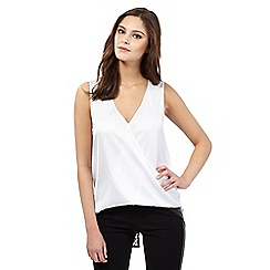 Lipsy - White sleeveless back split top