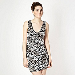 Lipsy - Grey animal printed bodycon dress