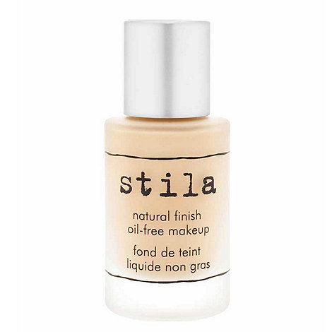 Stila - Natural finish oil free make up