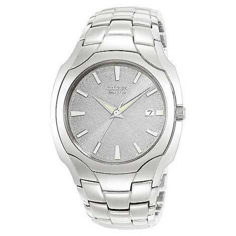 Citizen - Men+s round dial and silver coloured bracelet watch