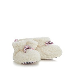 Mantaray - Baby girls' cream bow applique sherpa booties