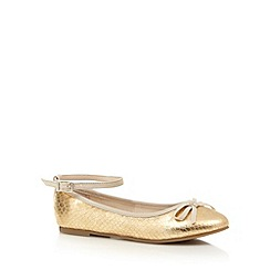 bluezoo - Girl's gold metallic snakeskin textured pumps