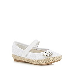 bluezoo - Girl's white broderie flower detail pumps