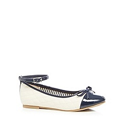 bluezoo - Girl's off white quilted pumps