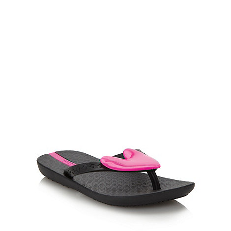 Ipanema - Girl+s black applique heart flip flops