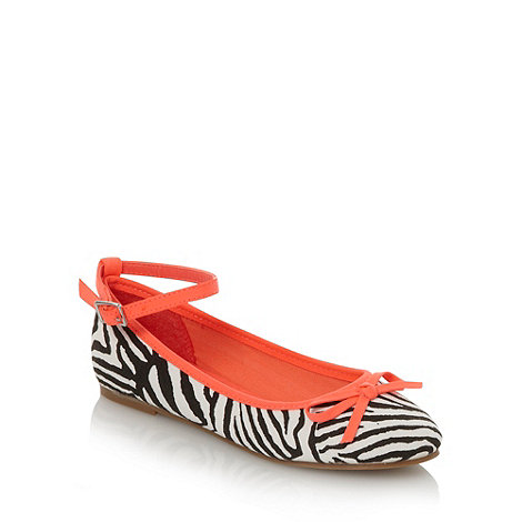 bluezoo - Girl+s white zebra print pumps