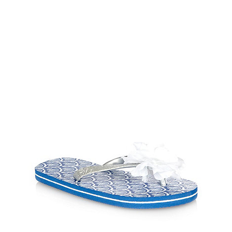 Mantaray - Girl+s blue metallic flower flip flops
