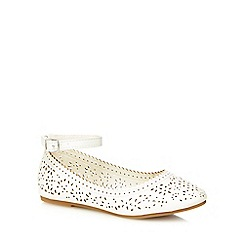 Mantaray - Girls' white cut-out ballet pumps